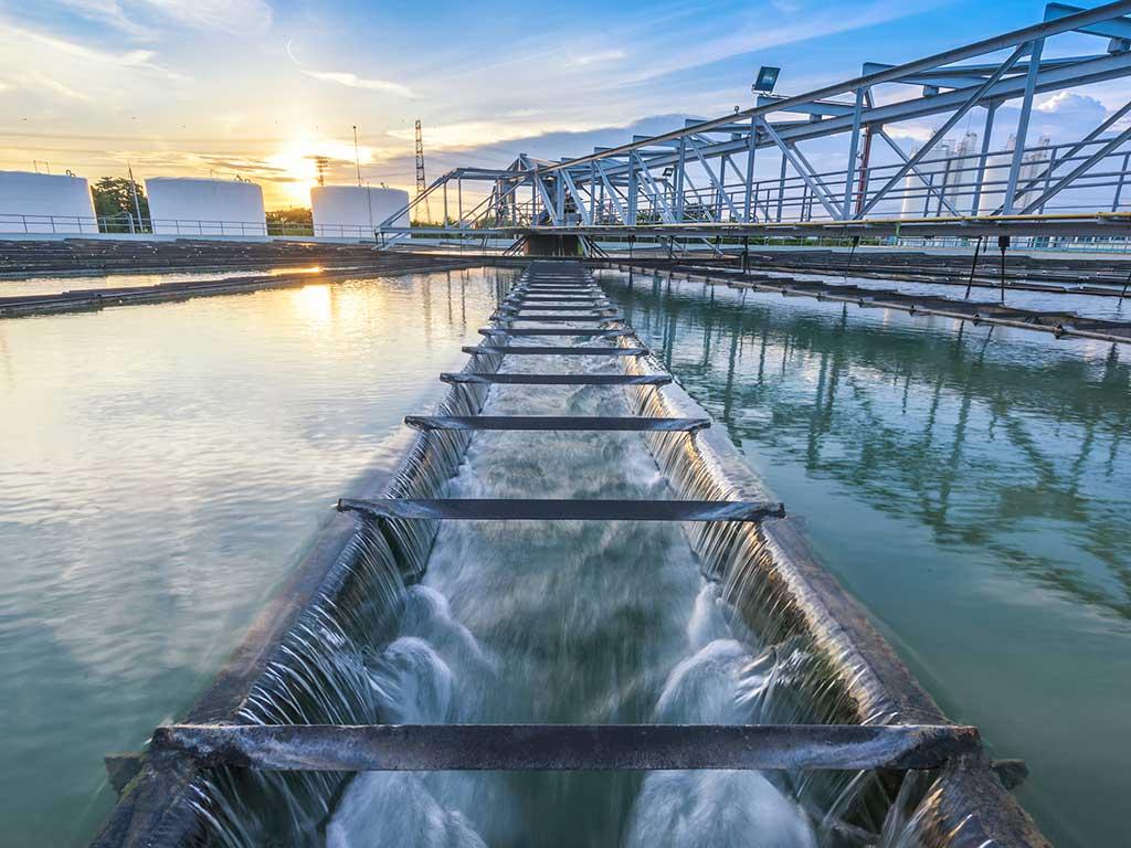 Agua tratada: proceso para el reuso de agua en la industria