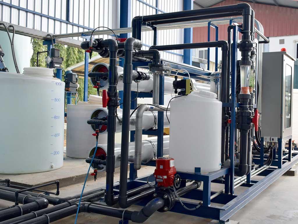 Cómo remover sílice coloidal de los sistemas de almacenamiento de agua
