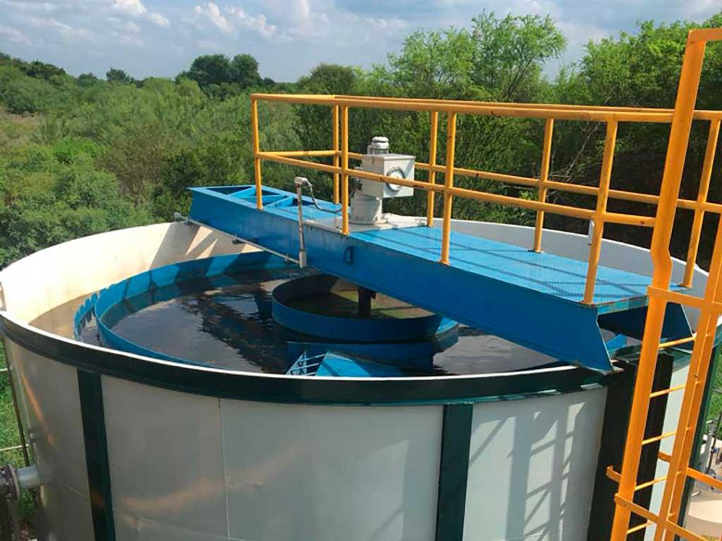 Sistemas con reactores biológicos aeróbicos para reducir DBO y DQO