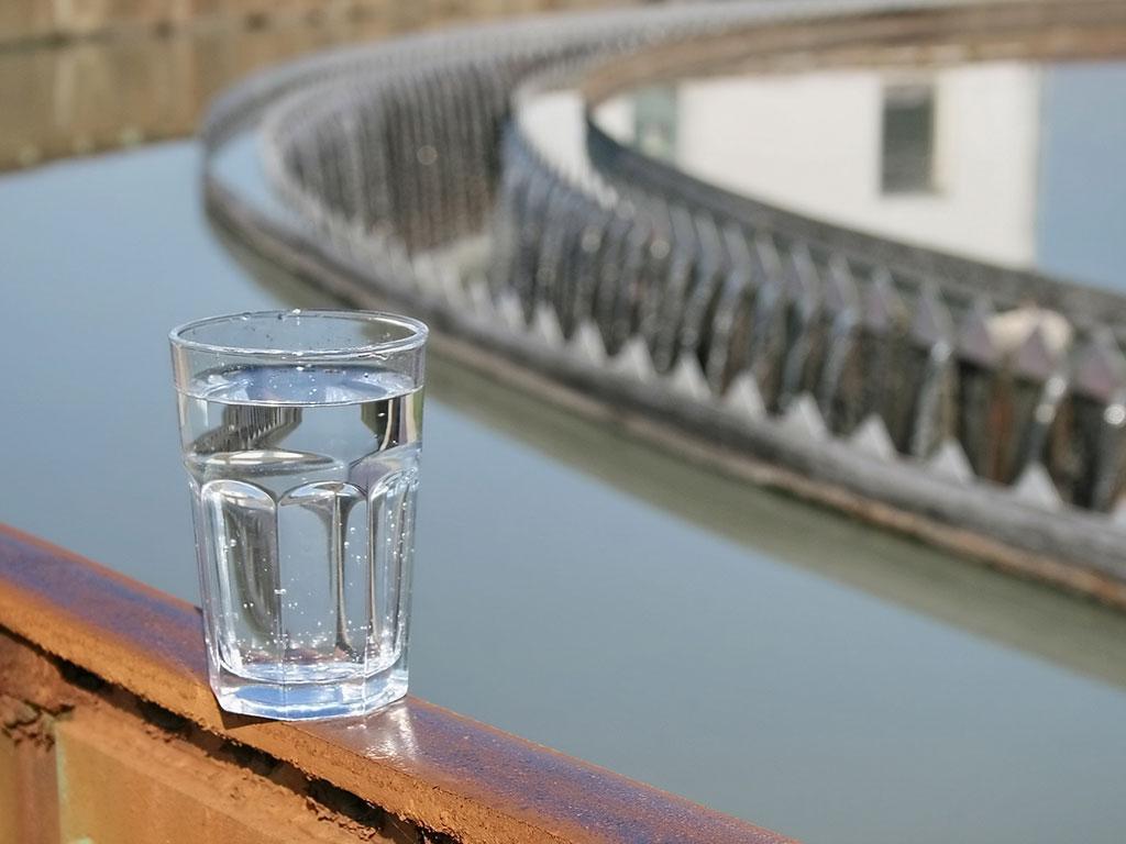 La importancia del control de sólidos suspendidos totales de agua